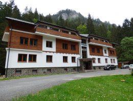 Hotel Riverside – recenzia tradičného ubytovania v Nízkych Tatrách