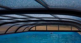 Zastrešenie pre bazén: Dizajnový prvok, ktorý predĺži, ale aj skvalitní kúpanie v bazéne